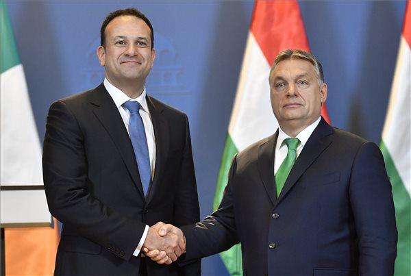 Ír-magyar kormányfői találkozó: szó volt a 12 ezer Írországban dolgozó magyarról is