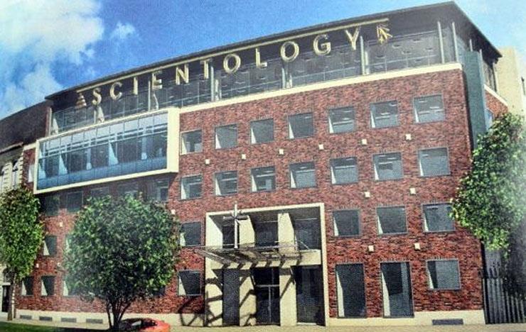 Zár alatt a szcientológusok székháza
