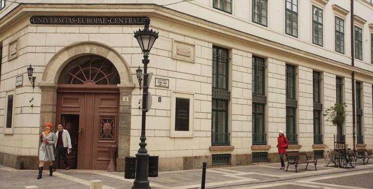 A Velencei Bizottság szerint sok a probléma a Lex CEU-val