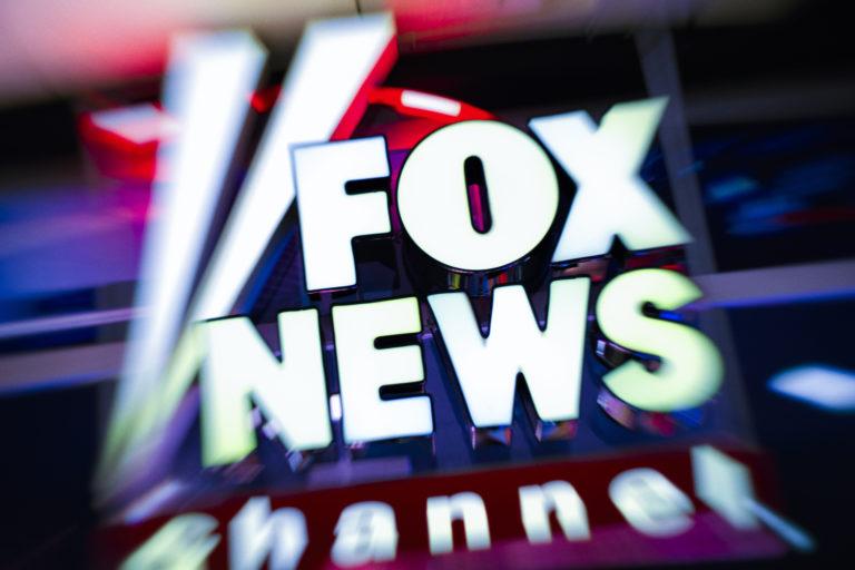 Álhírek miatt perlik Trump kedvenc tévéjét