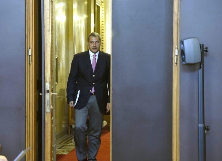 Orbán-buktatásra készül Lázár?
