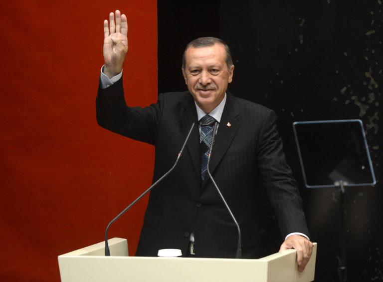 Saját katonái ellen vásárol orosz rakétákat Erdogan török elnök?