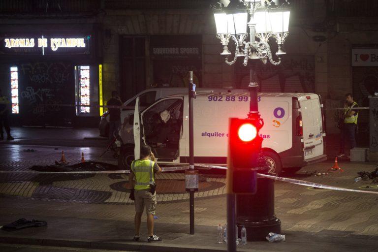 Barcelona – lelőtték a rendőrök a teherautós merénylőt (Frissítve)
