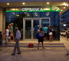 Szerb bankot vesz az OTP