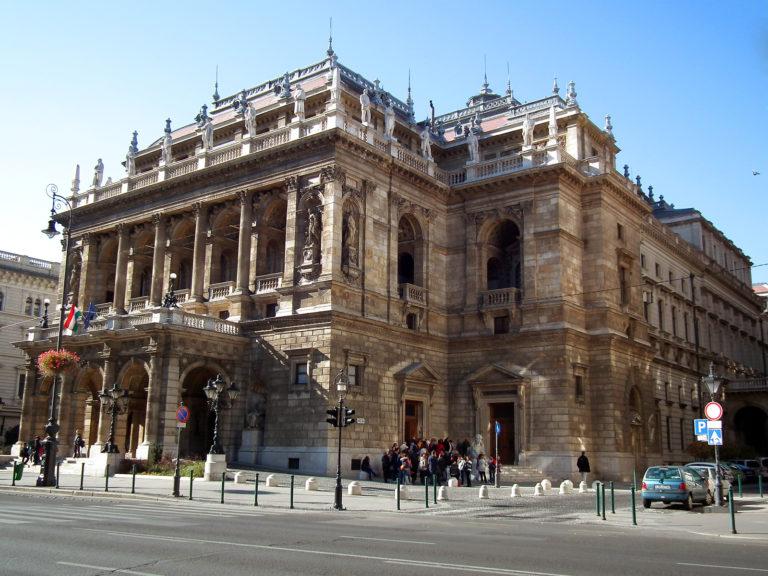 Sztrájkot hirdettek az Operában