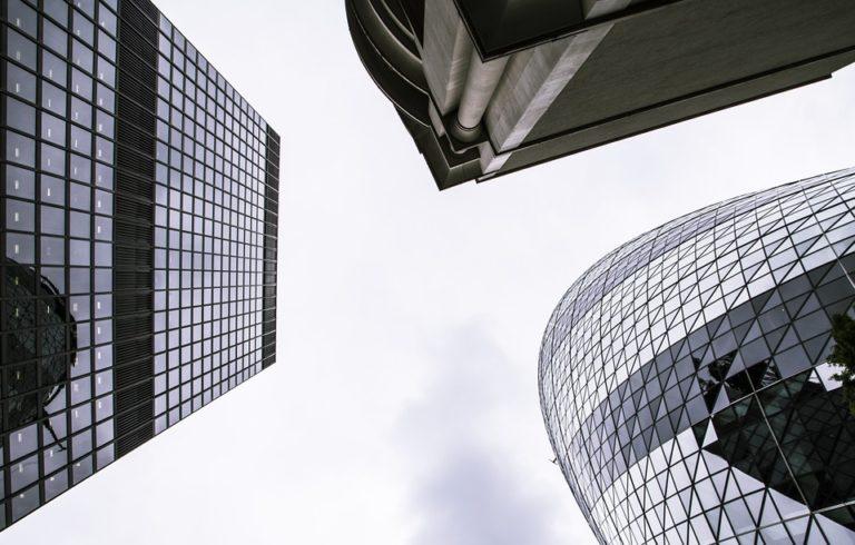 Pénzmosás német módra – rendőrök rohanták le a Deutsche Bankot