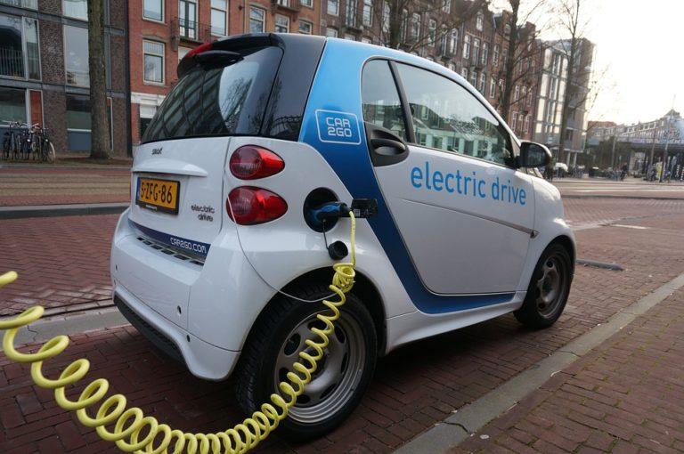 Európai elektromosautó-kvótát javasolnak a német szocdemek