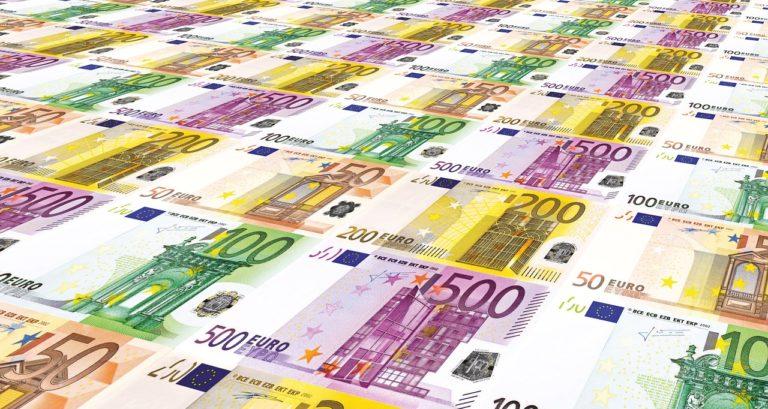 Terítéken az eurócsatlakozás