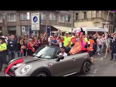 Rengetegen voltak a prágai Pride-on