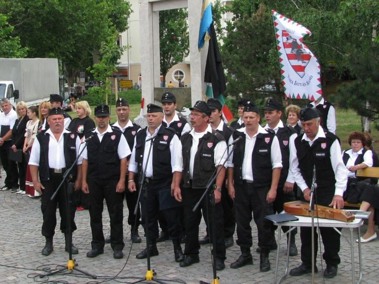 Tíz éve történt – Tom Lantos kitiltatja Amerikából a Magyar Gárda tagjait