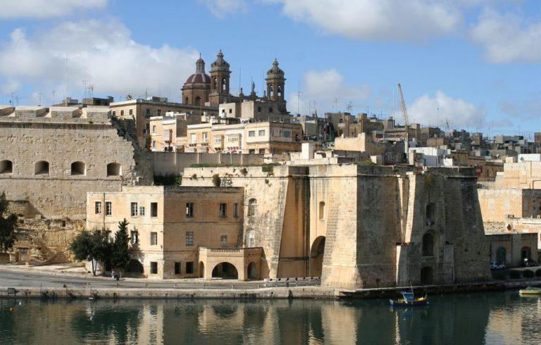 Egymillió dollárt ér a máltai útlevél