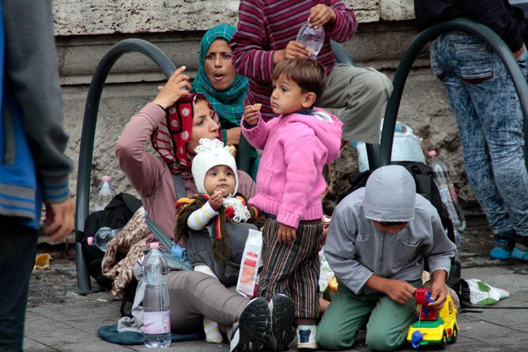 Magyarország és Lengyelország egy menedékkérőt sem vett át
