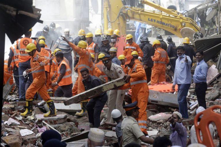 Összeomlott egy ház Mumbaiban