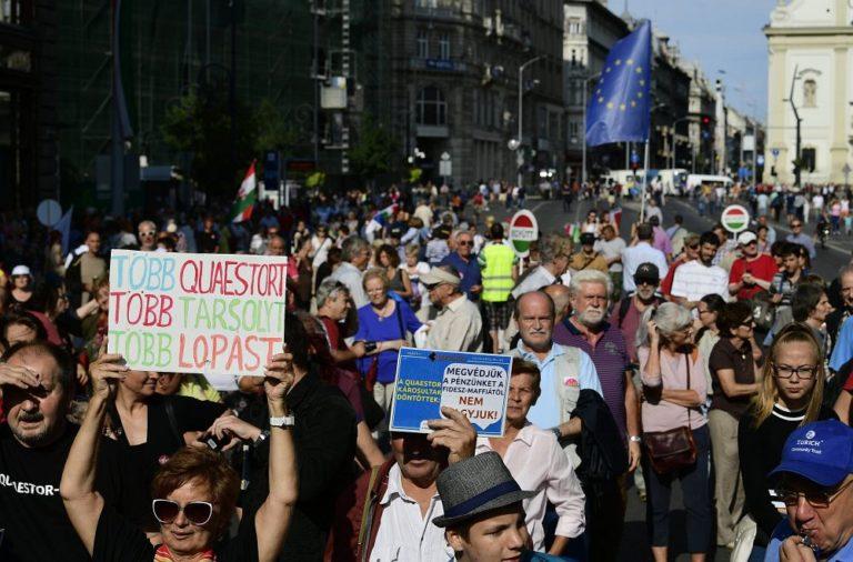 A sajtószabadságért tüntettek Budapesten
