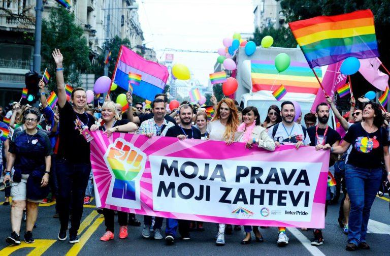 A szerb miniszterelnök is elment a belgrádi melegfelvonulásra