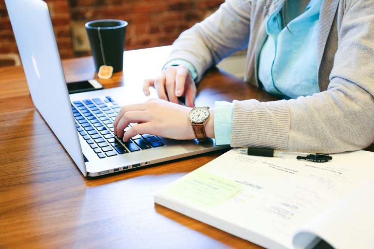 A munkaadó nem nézhet bele alkalmazottja magán levelezésébe az interneten