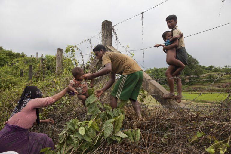 Már 370 ezer rohingja menekült el