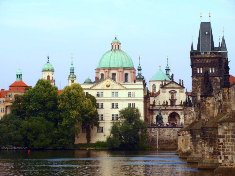 Bár állnánk csehül – uniós mag és perifériák