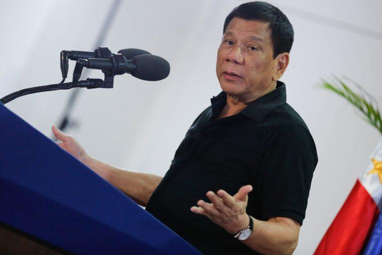 Elnök a saját fiához: ha a kábszer vád igaz, akkor lelövetlek a rendőrökkel!