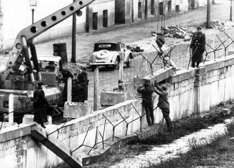 Tíz éve történt – Tízezer NDK-s kémkedett a nyugatnémet hírszerzésnek