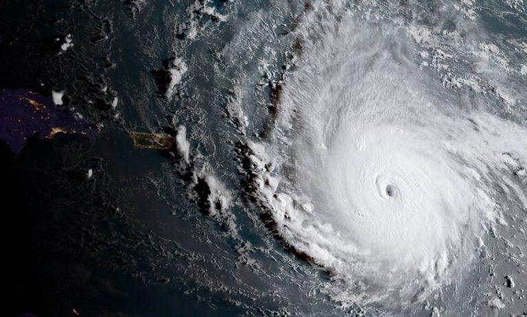 Florida felé tart az Irma hurrikán