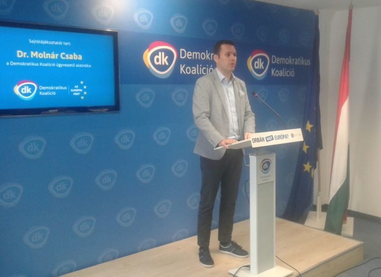 Az MSZP választmányának válaszára vár a DK