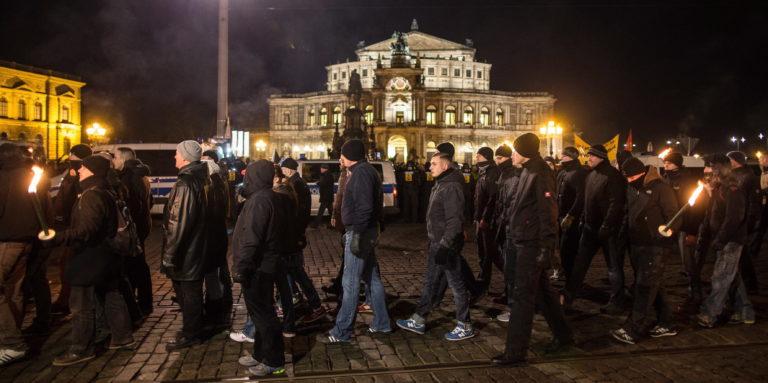 Hogy lesz valaki neonáciból dzsihád harcos?