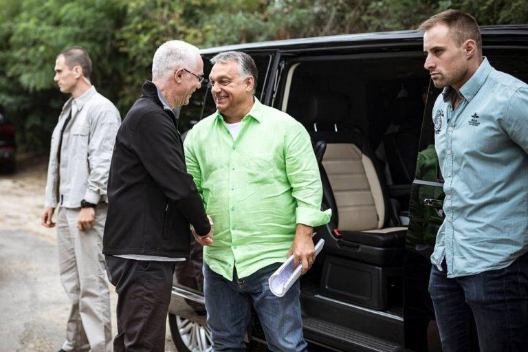 Orbán Viktor Kötcsére érkezik