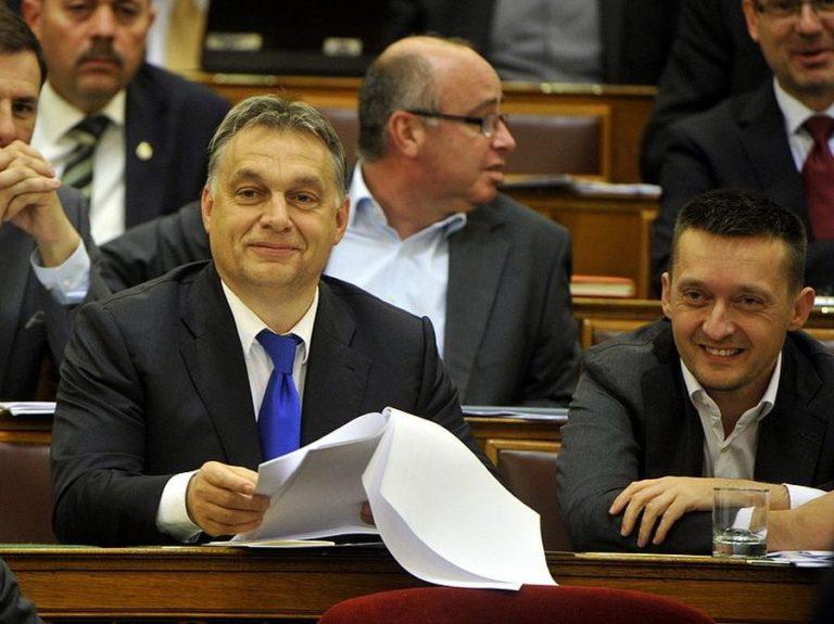 Orbán és Rogán nem szavazták meg a korrupcióellenes törvényt