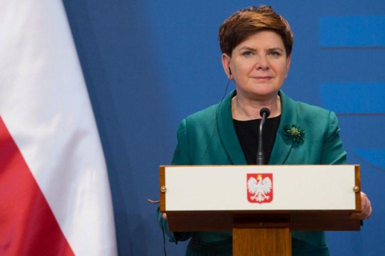 Búcsú Beátától, jön Kaczynski?