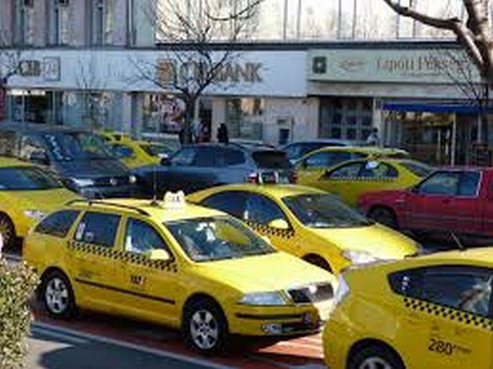 A filozófust kiteszik a taxiból