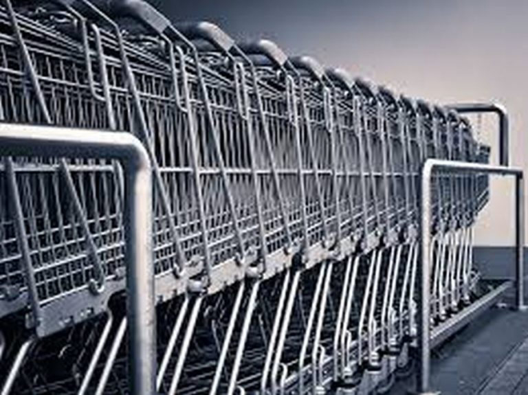 Tíz éve történt – Medián: A többség vásárol vasárnap