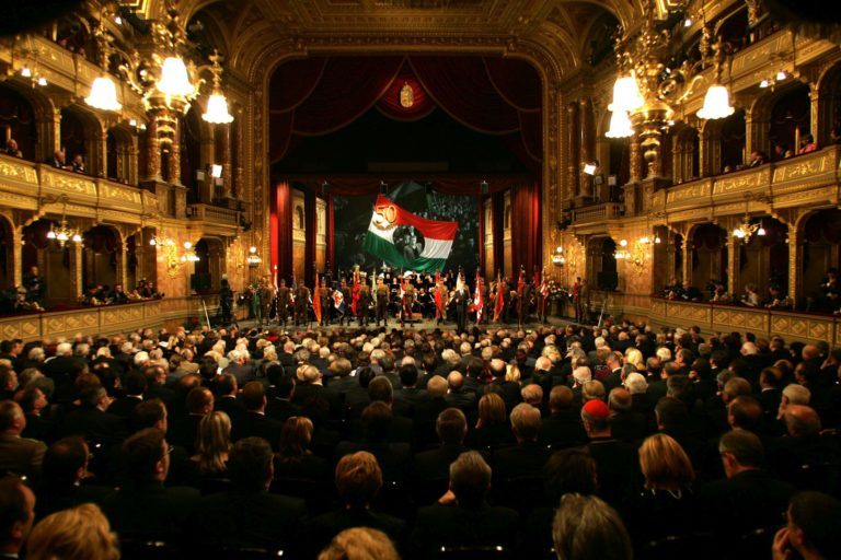 Ki veri szét Budapestet ősszel? – 21. Gála az Operaházban