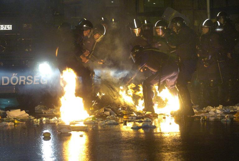 Tíz éve történt: Rendőrökkel csaptak össze a tüntetők