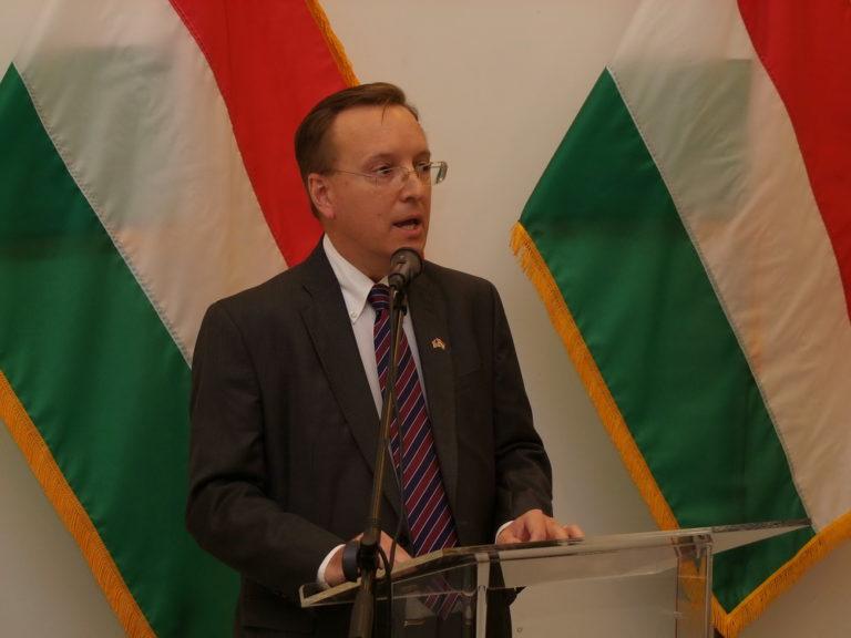 Sajtószabadság: Keményen kritizálta a magyar kormányt az amerikai nagykövetség