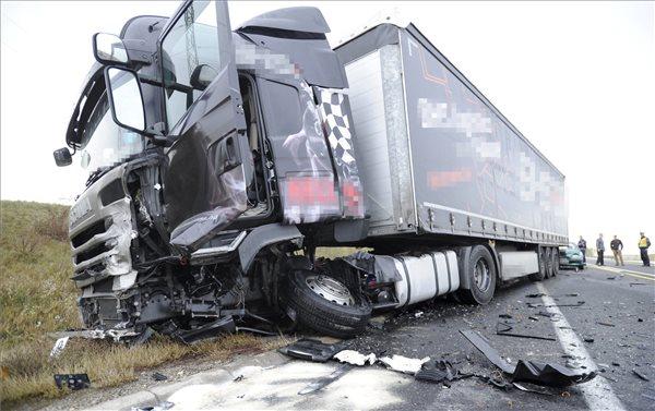 Halálos baleset volt az M2-esen