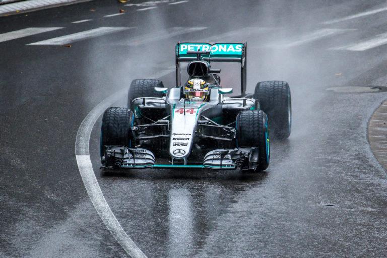 Japán Nagydíj – Hamilton nyert, közel a vb-győzelem