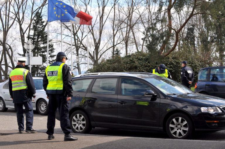 Marad az ellenőrzés több schengeni belső határon