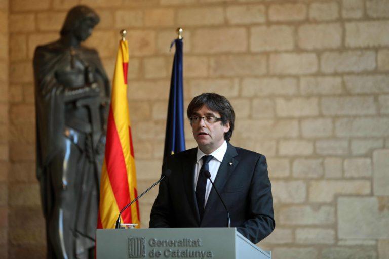 Katalán válság: felszámolják a tartományi kormányzást