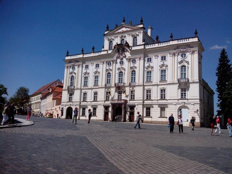 Csehország: megkezdődött a választási kampány