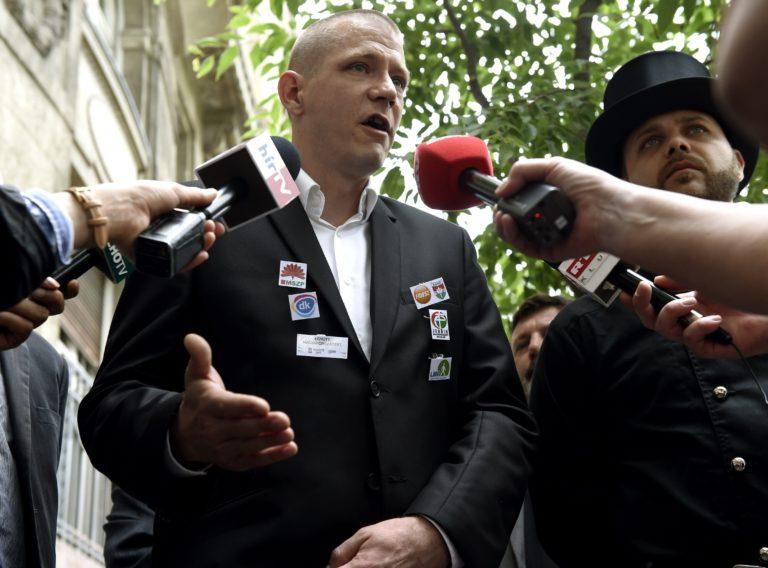 """Tüntettek a kéményseprők a """"gyilkossági kísérlet"""" ellen"""