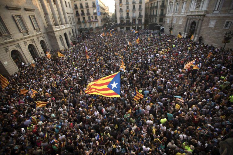 Magukra maradnak a katalánok, a tőzsde sem ad bizalmat