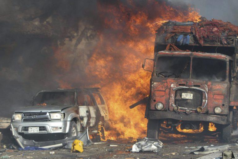 Újabb öngyilkos merényletek Mogadishuban