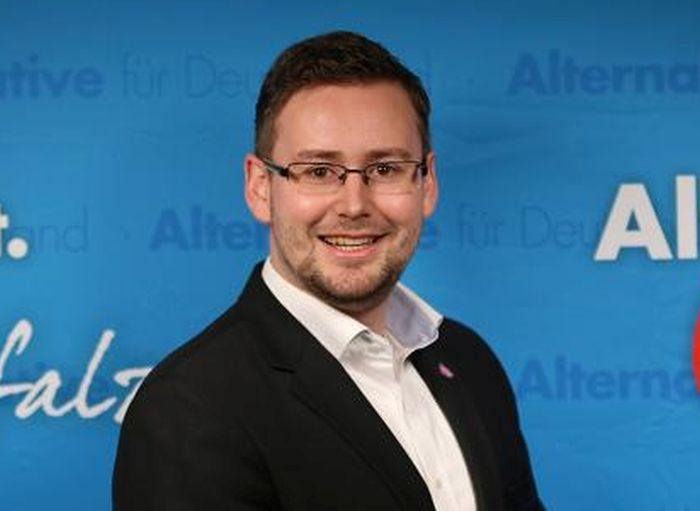Futballhuligán az Alternative für Deutschland egyik képviselője