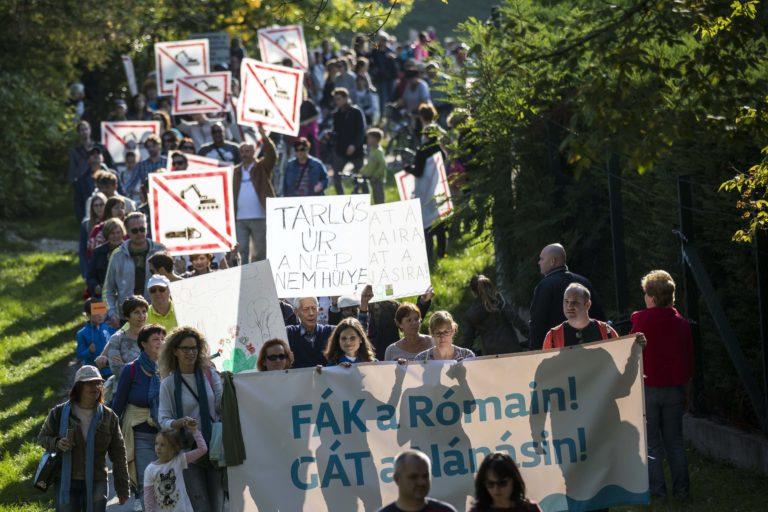 Ismét tüntetés volt Rómaiért