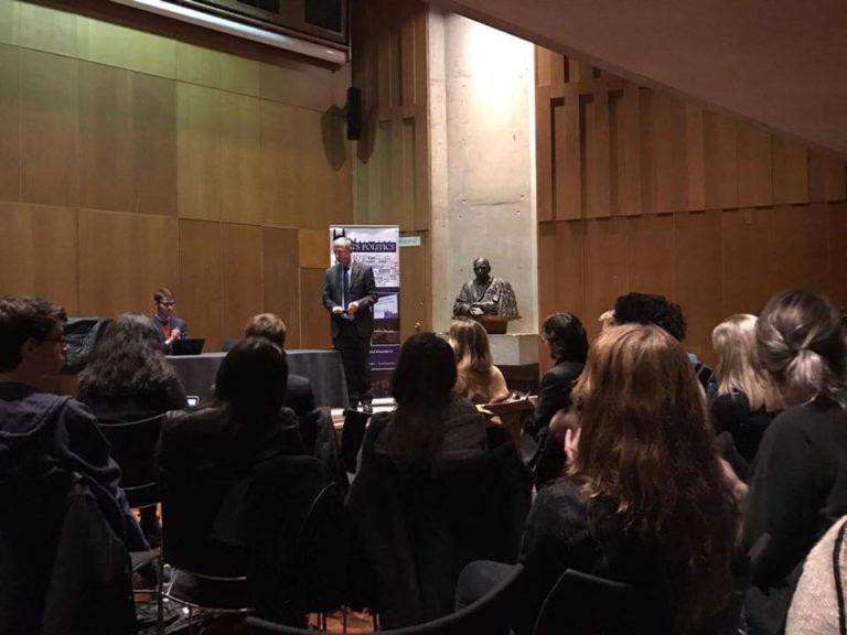 Gyurcsány Cambridge-ben is előadást tartott