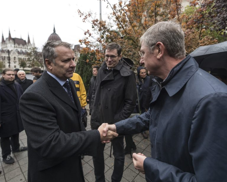 MSZP: Nem a Fideszre, nem a Jobbikra