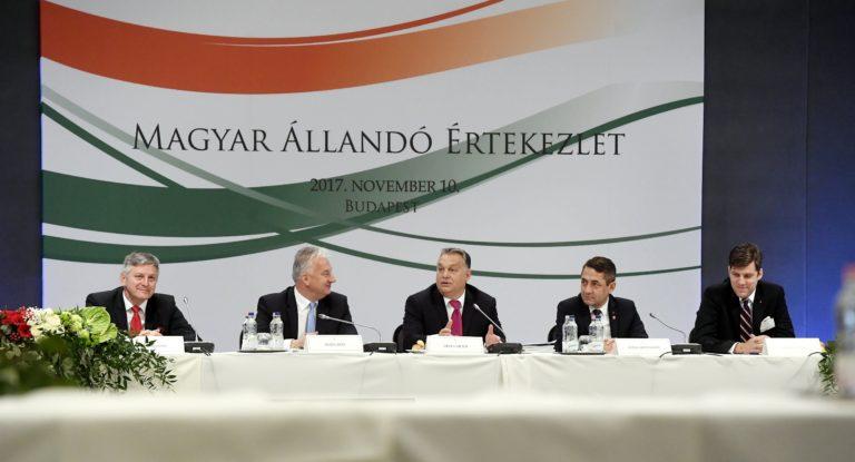 Orbán: A Kárpát-medencében a jövőt magyar nyelven írják