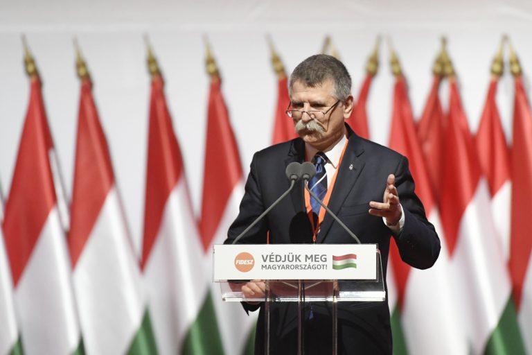 Fidesz-kongresszus: Kövér egy aberrált rendszerről beszélt