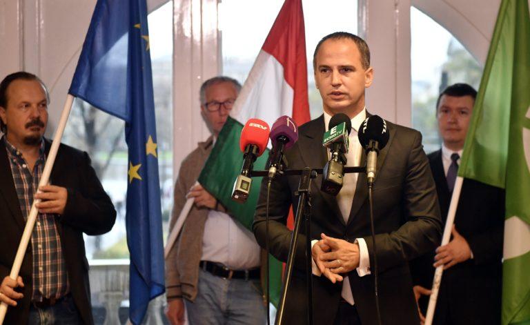 A Fidesz kádárista mentalitásáról ír az Együtt választmányi elnöke